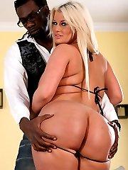 Huge Sexy Ass Julie Cash at Fuck Me Black