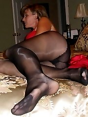 Private pics of amateur girls flashes her pantyhose