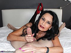 Rita Daniels Fantastic Fan Milking at Over40handjobs