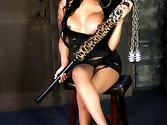 Chained TS hottie Bombshell playing
