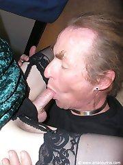 Facesitting leads to cum