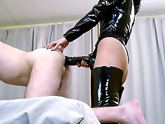Two hoes drilling bound first-timer's chocolate hole with big rubber dongs