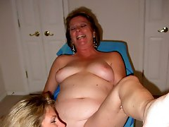 HOT Bi girl plays with some MOMMY PUSSY