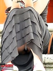 Horny view on upskirt gash and butt