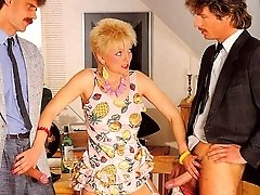 Double penetrated retro mom