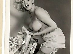 Vintage towheaded naked women