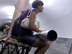 Fine looker subway up-skirt