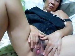 Filipino mormor 58 jävla mig dum på cam. (Manila)1