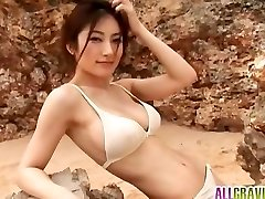 Kumada Yoko gros seins est romantique dans la nature