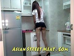 Asiatiska Sweety Sodomised I Strumpor Och Lager