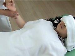 Gorgeous Jap saab sisse keeratud krussis spy cam massaaž clip