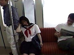 Seducing a koolitüdruk selles, trammi -