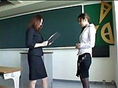 171 Uus Õpetaja Saab Spanked Halb Jõudlus