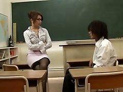 Asiatique De L'Enseignant Séduit Par Son Élève,Par Blondelover.