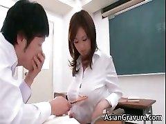 Sexy et bandante asiatique enseignant montre son part3
