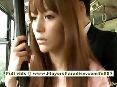 Miho Maeshima Hiina tüdruk saab cum laadida oma prillid