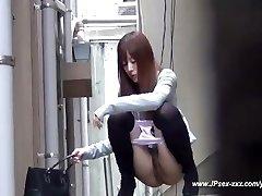 fete din china a merge la toaletă.18