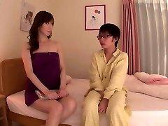 La Mamá De La Real De La Educación Sawamura Reiko