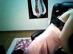 Söt Kinesisk Flicka Nipple Piercing Hemma och ladda upp med kyo solen