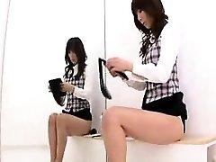 Sexy chicas Japonesas exponer sus fabulosas curvas en la cha