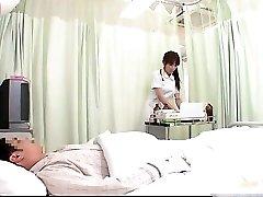 Caliente JPN enfermera haciendo cuerpo de examen para este part1