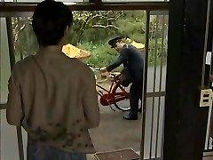 JPN Postacı ve ev hanımı