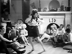 Partie Classique: ecole supérieure de filles Filles (1968 softcore)
