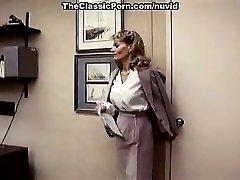 Lee Caroll, Sharon Kane dans la chatte poilue mangé et