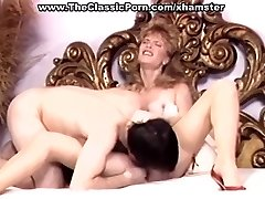 Retro wifey in high heels wild nail
