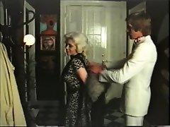 Platinum-blonde cougar has sex with gigolo - vintage