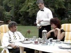 De superbes salopes entassés dans le vintage film