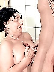 Mature chubby babe having her shaven cunt drilled