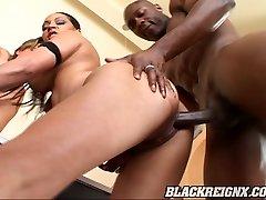 Raunchy hardcore threesome action with Jasmine Cashmere