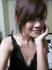 Cute and lonely self shot asian nude doll mate