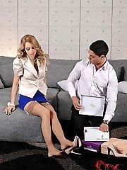 Footjobbing The Shoe Salesman