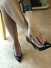Michelle is well known for her colourful chatter nature, supported by her vivid and most salacious imagination! The sexual aspects of women in heels is once again on her menu and as you feel it rising to a full hardness you will wish that it was ensconced in between her fingers alongside her high heel