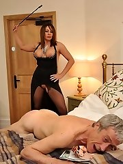 Domina Carly pleasures herself on the sofa until her sub arrives with the fuck stick mask! Then well-prepped and willing she pushes her ass in the air and ordered him to fuck her cootchie and eat it clean