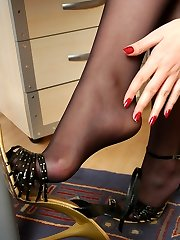 Flamy sec undressing up to her dark pantyhose and wanking her nyloned feet