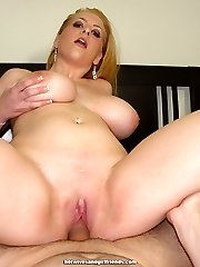 Her hole is full of steaming gooey cum after fucking