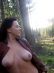 More then 14000 pictures there are in Nature, Swing, Sauna, Soft and Hard sections.