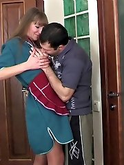 Older housemaid gargling rod and getting her pantyhose shoveled down for hot anal
