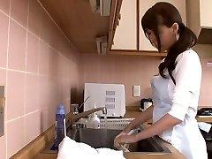 Hatalmas spriccelős japán anya által airliner1