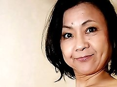 العادة السرية اليابانية يوميكو الثدي المترهل