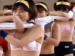 الجمباز الياباني عارية 1