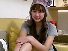 مثير مفلس الآسيوية في سن المراهقة صديقة الأصابع