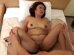 stunning Japanese mature (censored)