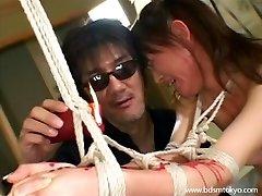 Brutális japán bdsm, gyertya viasz kínzás ázsiai tini