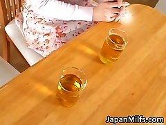 Ragveida japāņu MILFS nepieredzējis un jāšanās