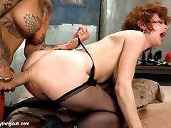 Two of the kinkiest squirters and anal sluts, Veronica Avluv and Bonnie Rotten, fuck each other into oblivion in this very special update!  The energy is high with these two lustful beauties as they stuff their holes with large toys, strap-on fuck, expel white creamy cum and squirt like crazy.