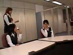 Asiatico CFNM adolescente si masturba in ufficio